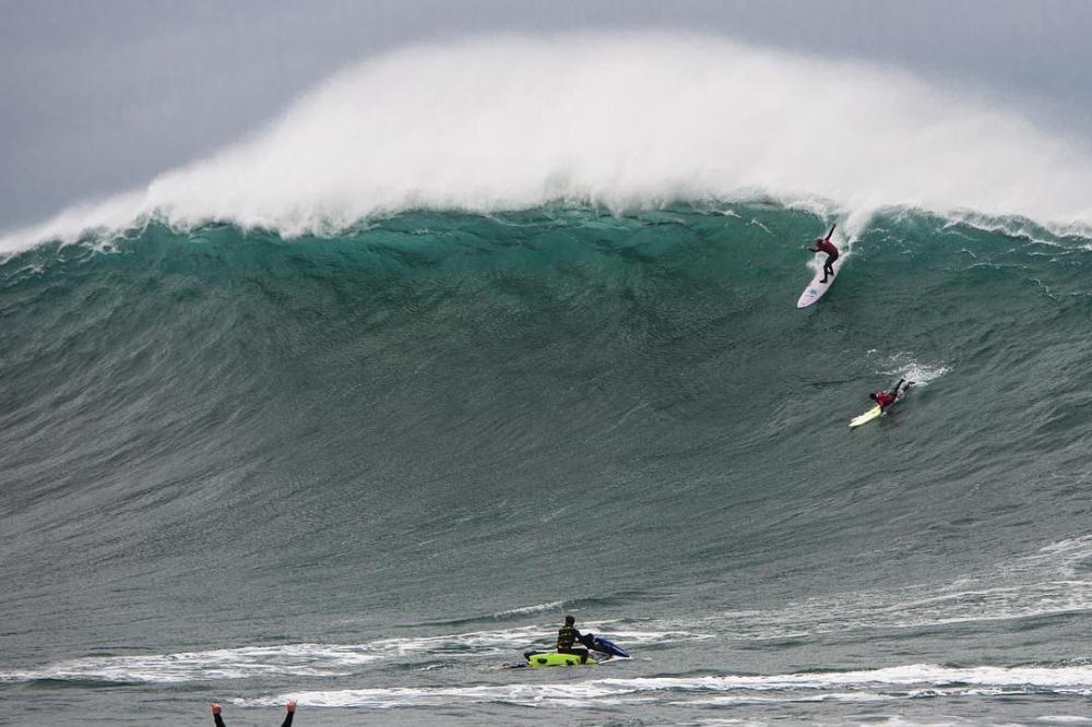 Un cours de surf au Pays Basque ?