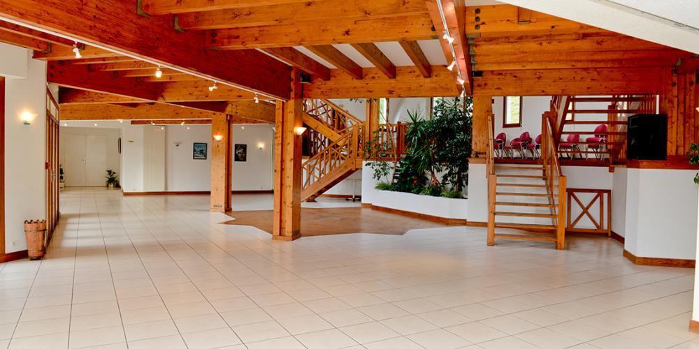 La salle de r ception pour vos ev nements domaine du pignada - Rideaux pour salle de sejour ...