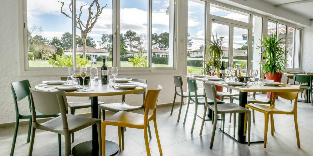 Salle de groupe pour repas entreprise au Pays Basque Bayonne
