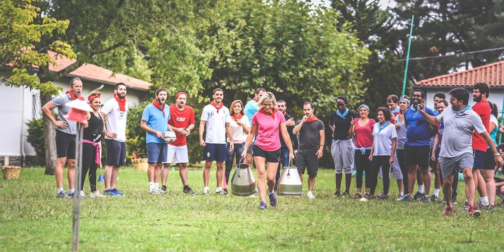 Jeux basque entre amis groupe au Pays Basque