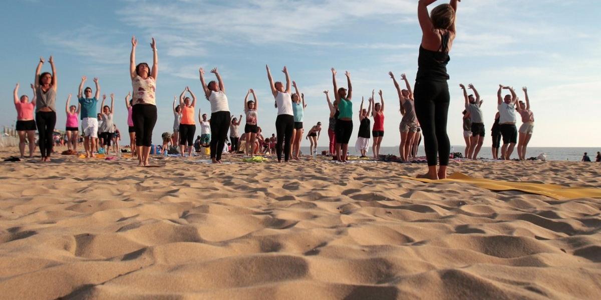 Yoga sur la plage - Pays Basque